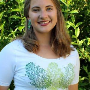 T-Shirt zum Trachtenrock in Weiß mit floralem Handdruck in Grün