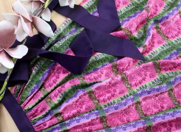 Charmante Dirndlschürze lila, rosa, grün