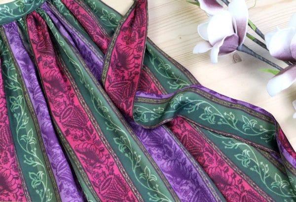 Elegante Dirndlschürze aus Seide (Grün, Lila, Rosa)